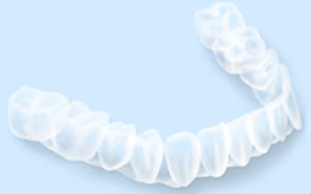 マウスピース矯正歯科装置