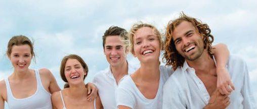 三好歯科 自由が丘スウェーデン式予防歯科の様々な年代のスウェーデン人の笑顔の画像